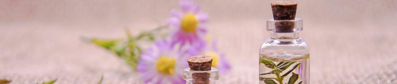 cropped-essential-oils-3084952_1920.jpg